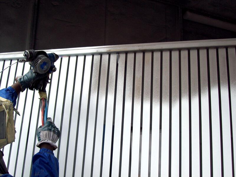 Zincatura a spruzzo di cancello