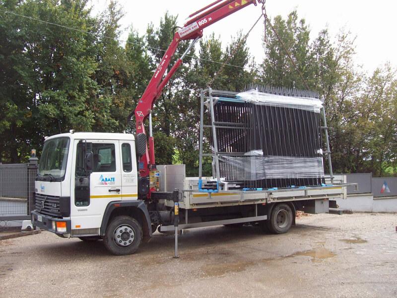 Servizio di ritiro e consegna di manufatti sottoposti a verniciatura